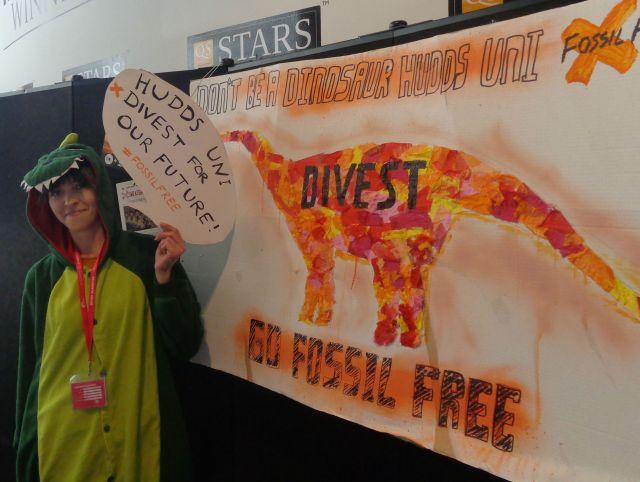 Don't be a dinosaur Hudds Uni - go Fossil Free!